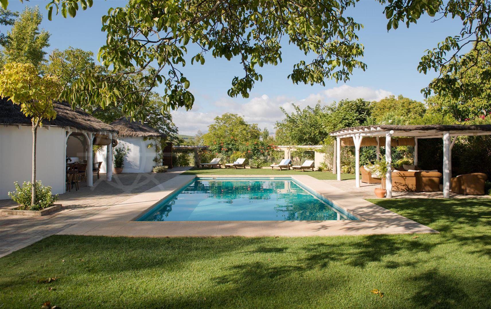 Недвижимость в Ронда с бассейном