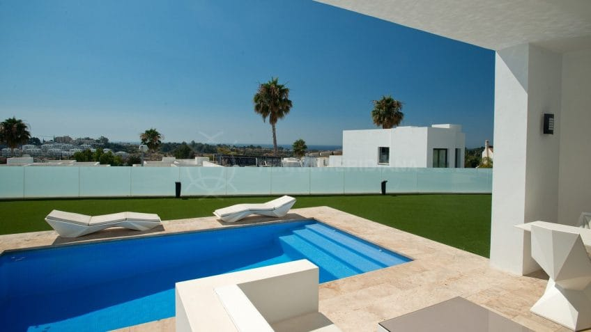 Modern luxury in an exclusive gated community near Marbella