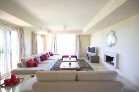 Livingroom, Villa for sale in Selwo, Estepona