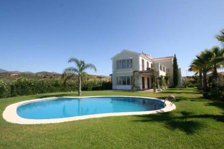 Villa for sale in Selwo, Estepona