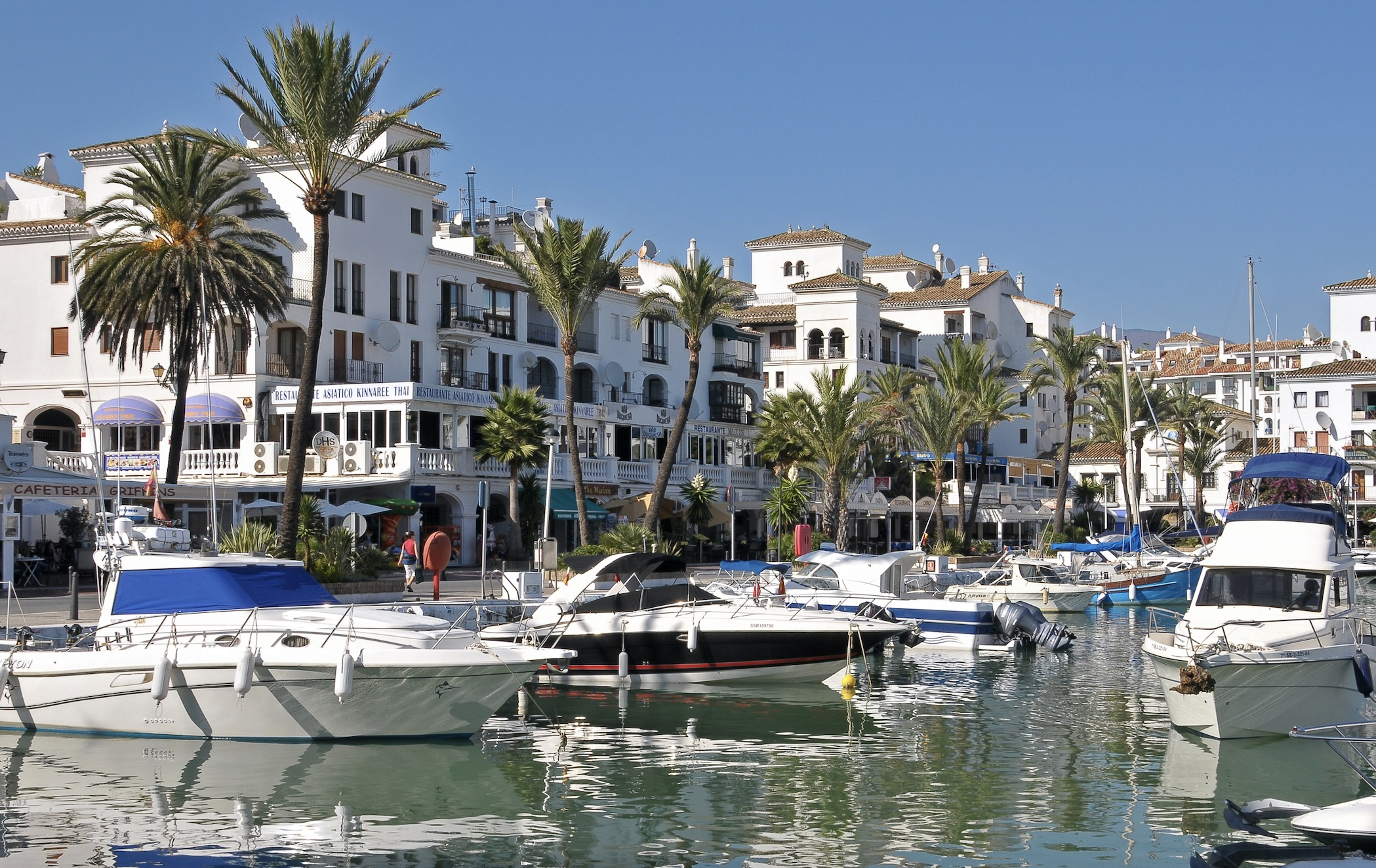 Puerto de la Duquesa: charming marina in the western Costa del Sol