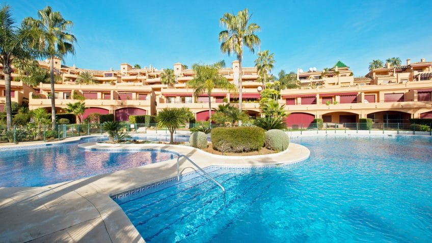 Communal swimming pool in Riviera Andaluza