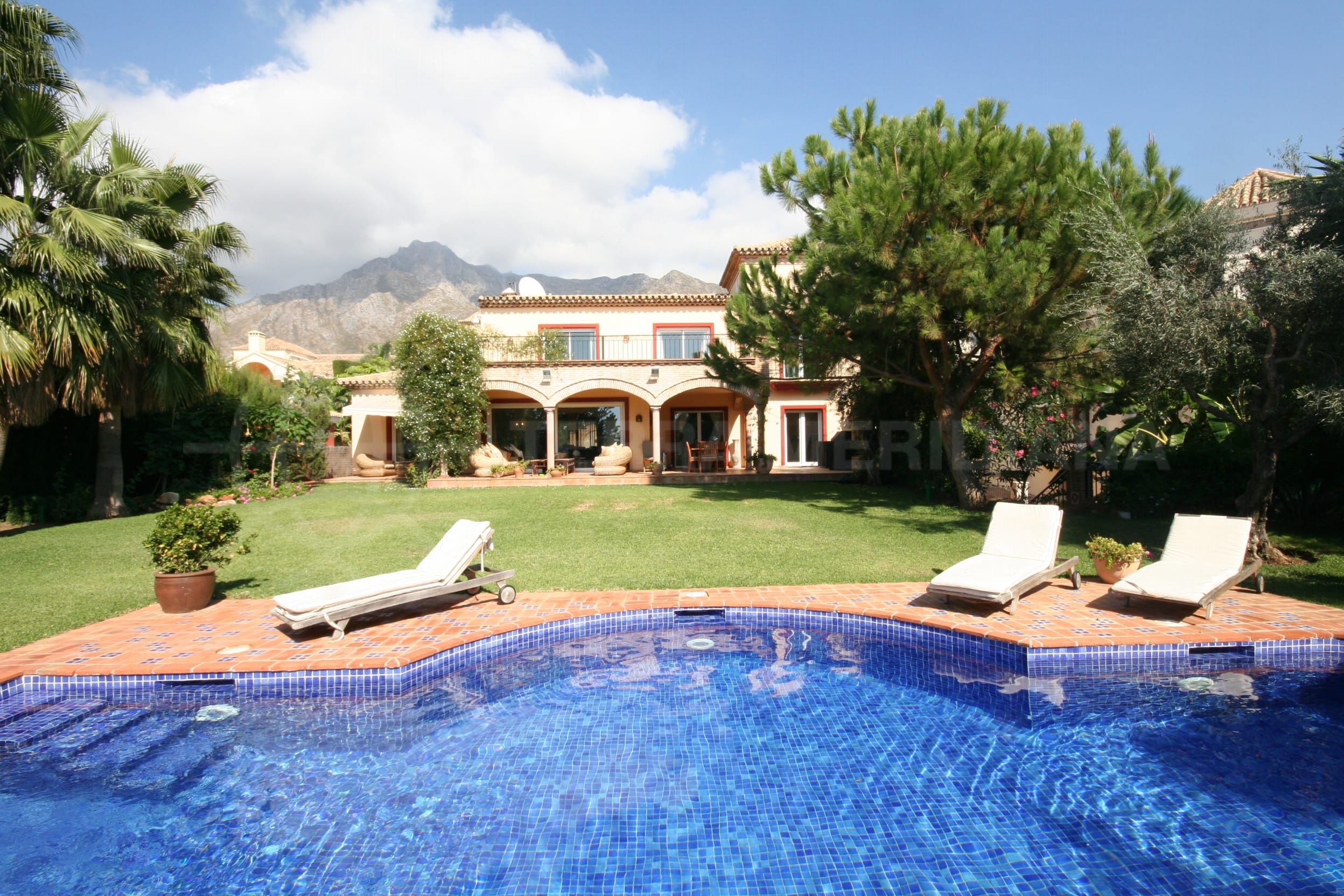 A best buy in Sierra Blanca, Marbella Golden Mile, Marbella