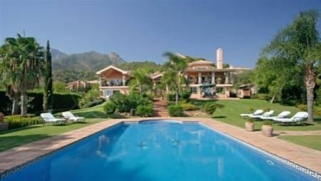 Property in Cascada de Camojan: A perfect choice for tranquil luxury living in Marbella