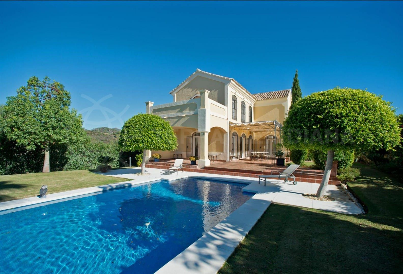 Estepona: home on a hill is perfect place to relax