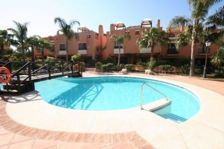 Property in Bahía de Marbella, Marbella East