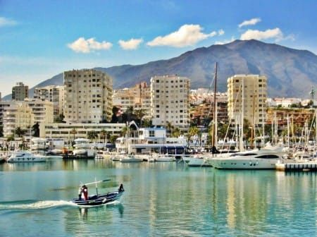 Five-star welcome for those registering as Estepona residents