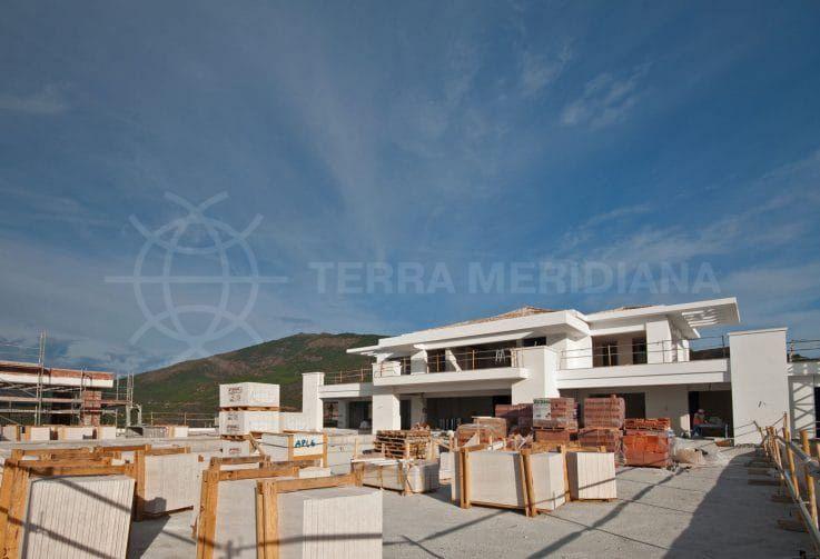 Fase 7: colocación de las superficies de las terrazas y construcción de los muros de contención