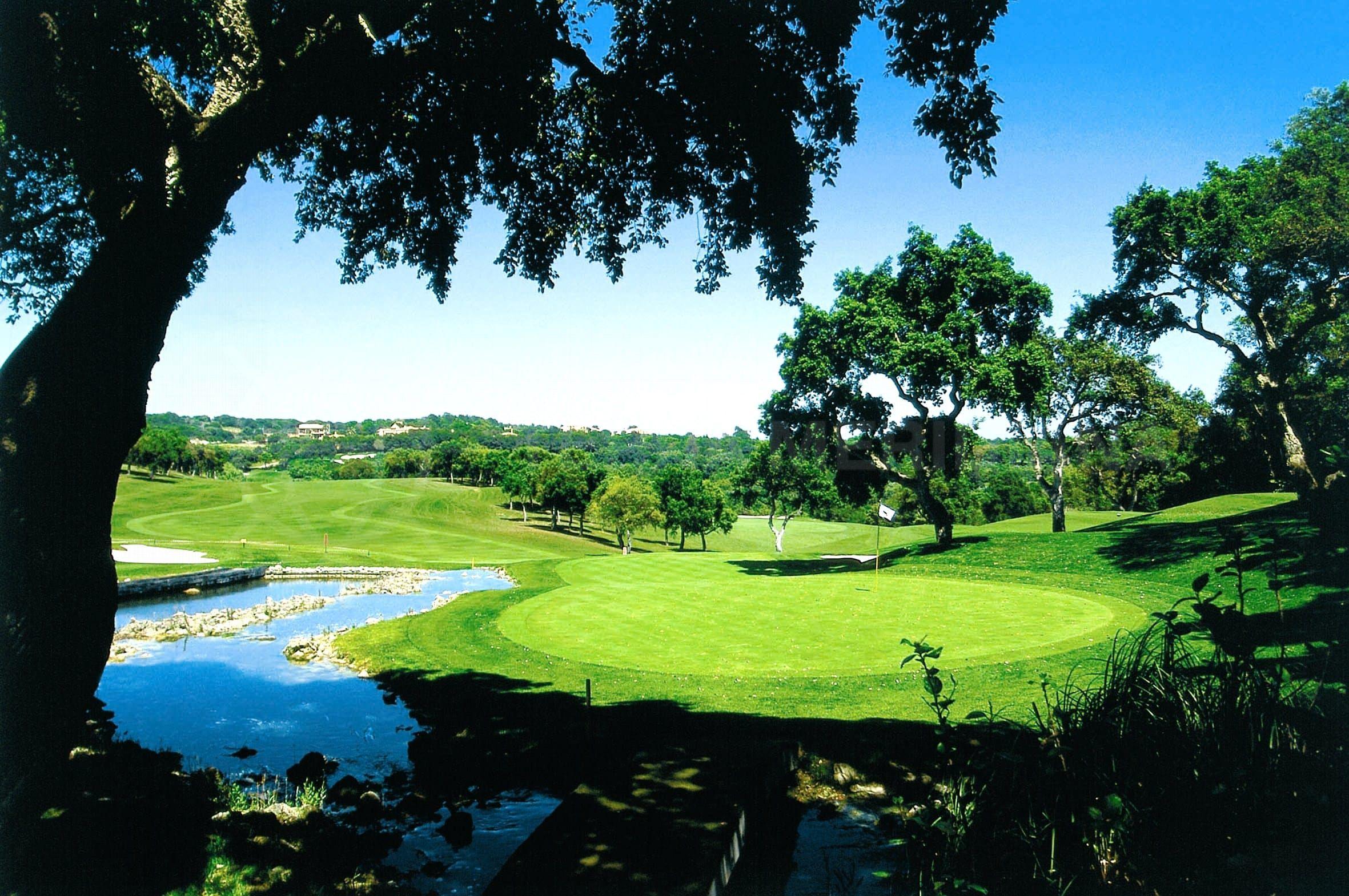 El resort residencial de lujo de La Zagaleta compra Valderrama en Sotogrande por €40 millones