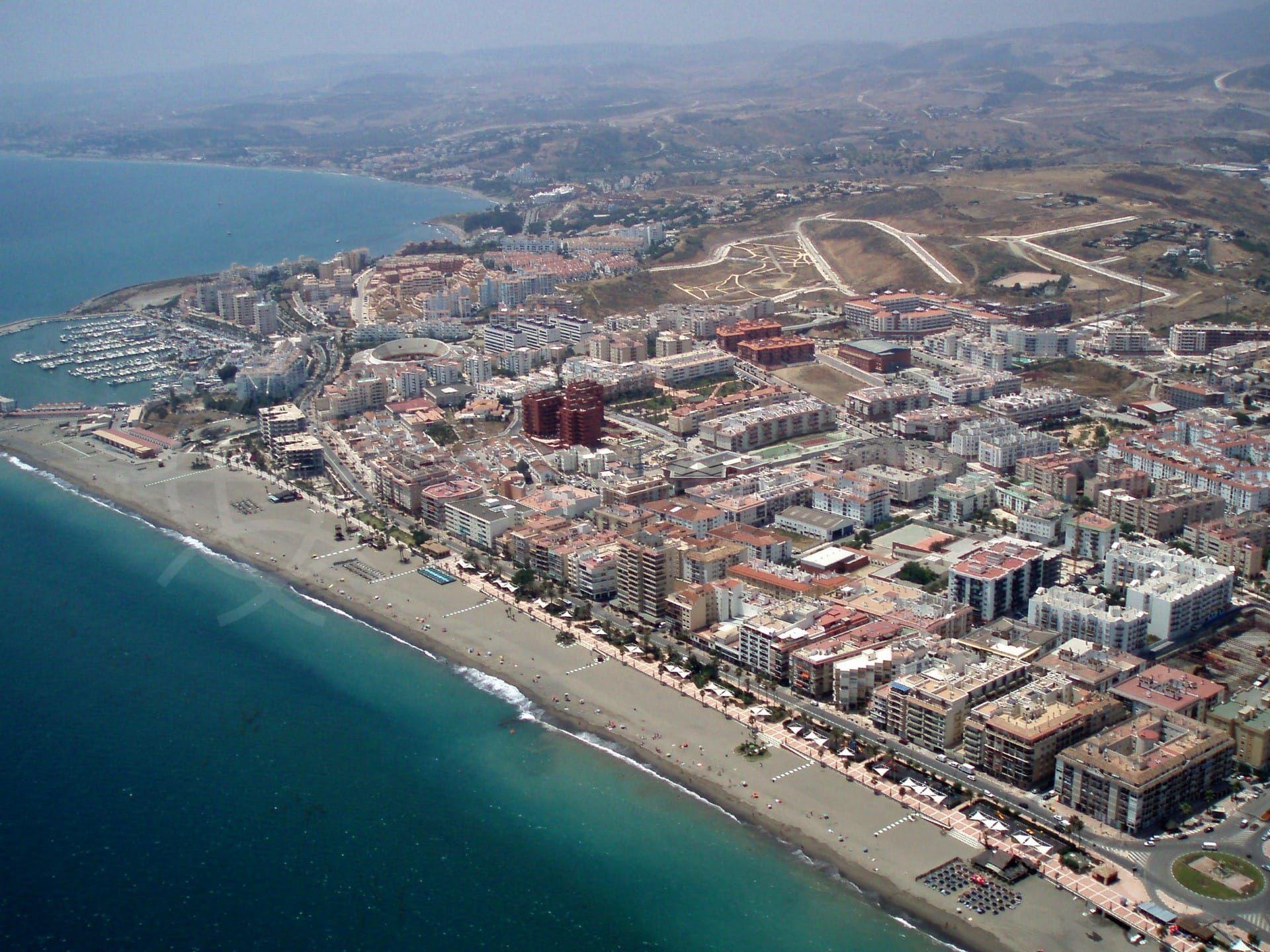 El divertido puerto deportivo de Estepona