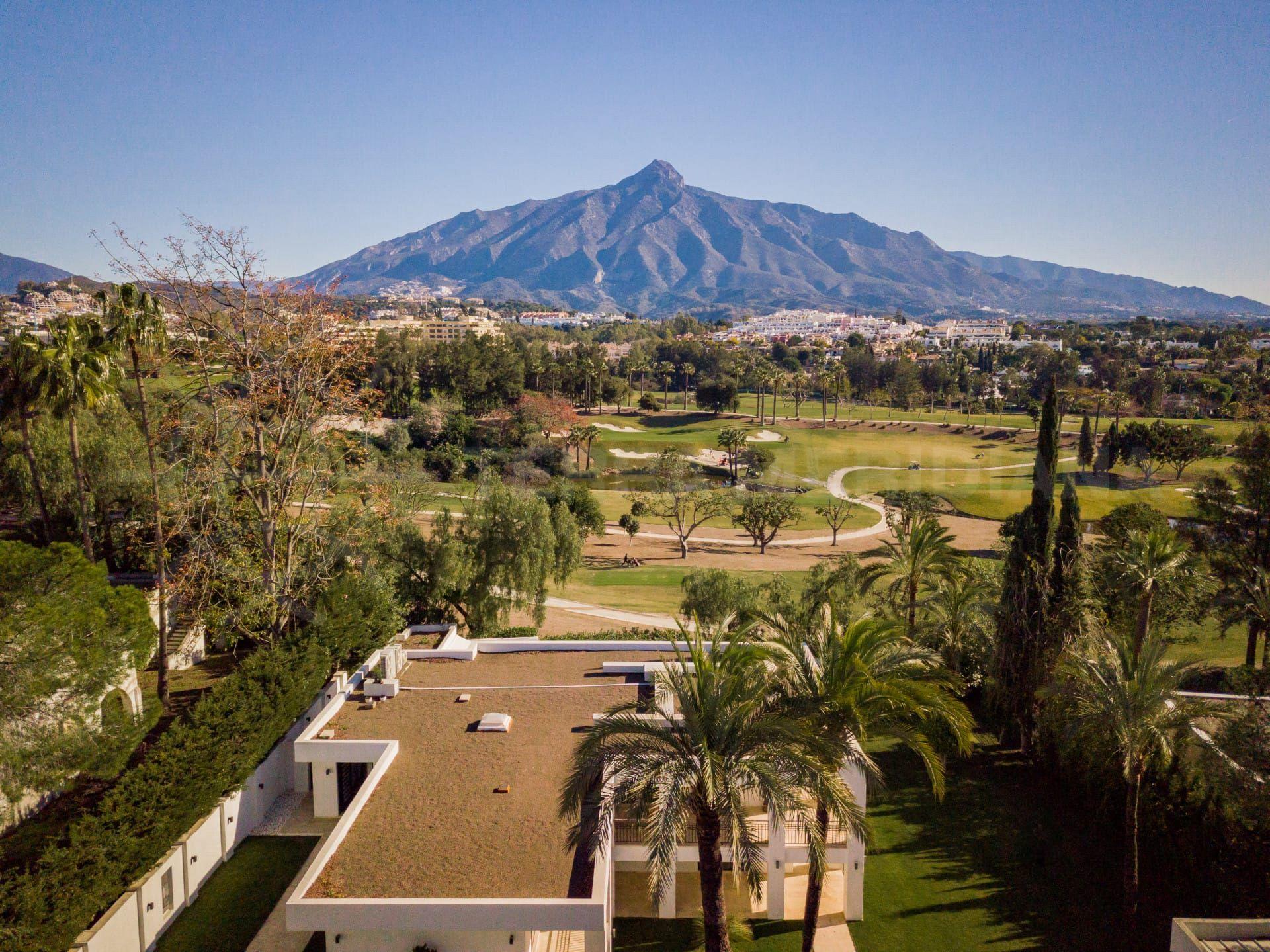 Las Brisas guide | Living in Las Brisas