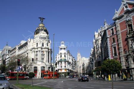 Los inversores se dejan tentar por el mercado español