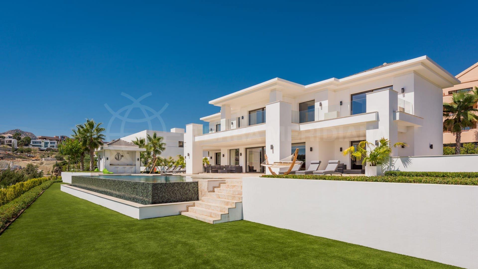 Villa Alquería: a new home made-to-measure for a growing family
