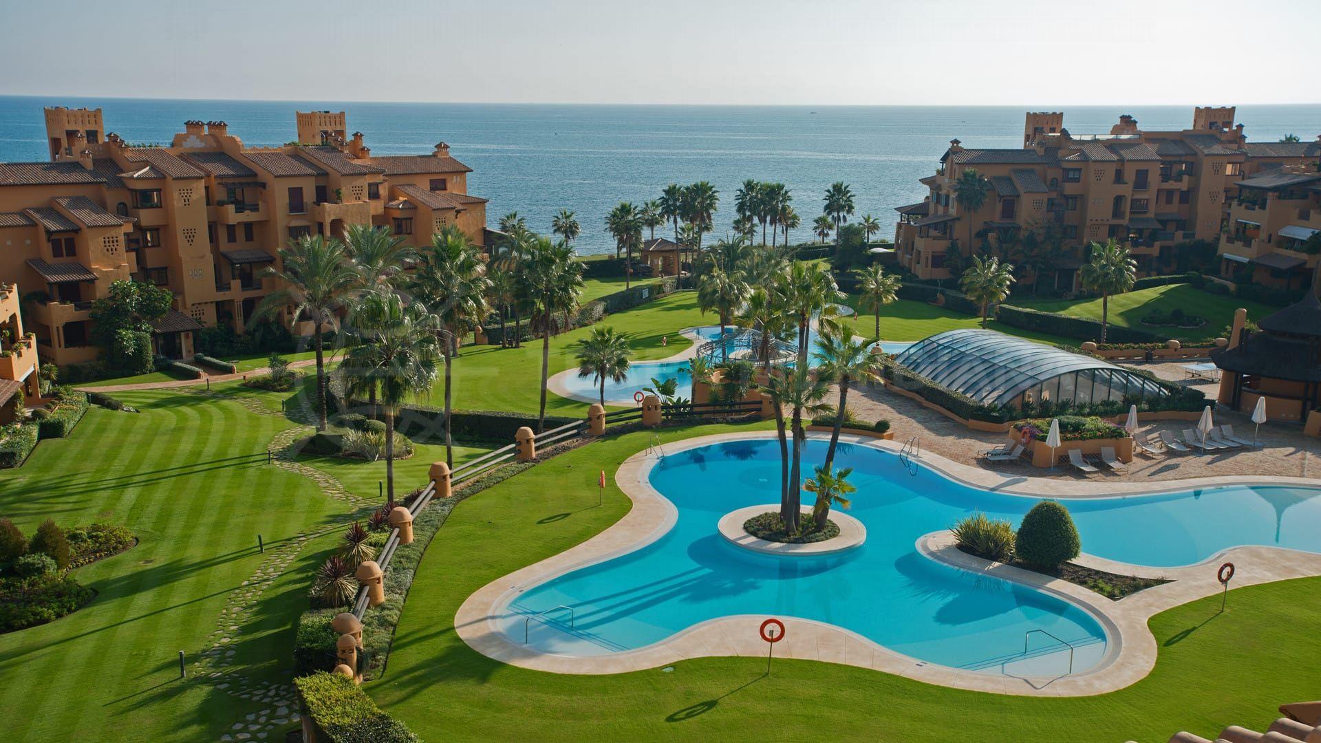 Una selección de apartamentos de primera clase en venta en los Granados del Mar, Estepona
