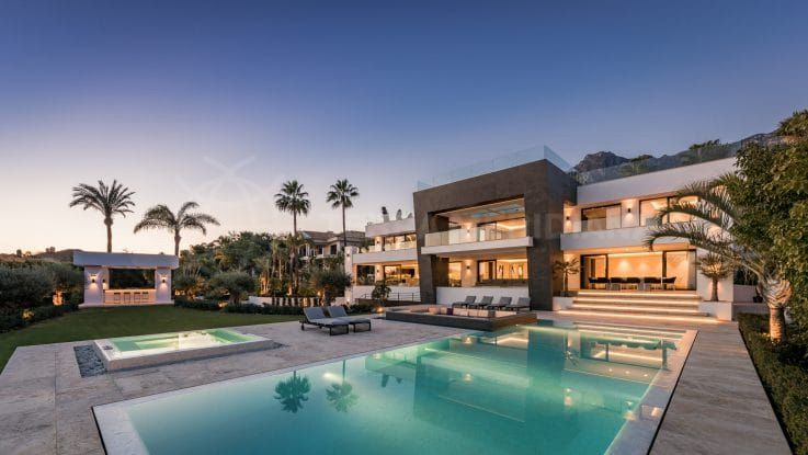 Villa Mozart: architectural splendour in the heights of Sierra Blanca, Marbella
