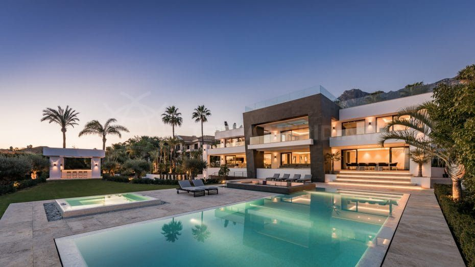 Villa Mozart: architectural splendour in the heights of Sierra Blanca, Marbella