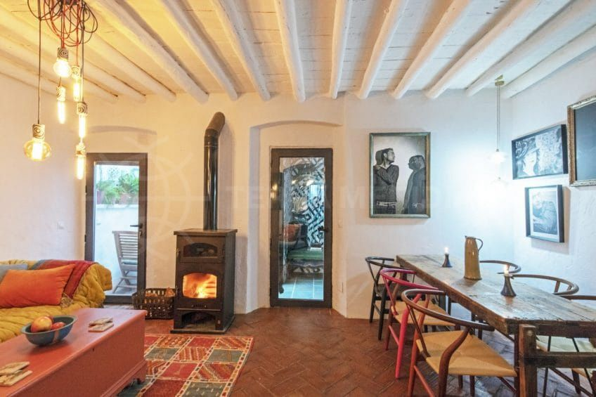 Rustic charm in a tastefully renovated Estepona Old Town property