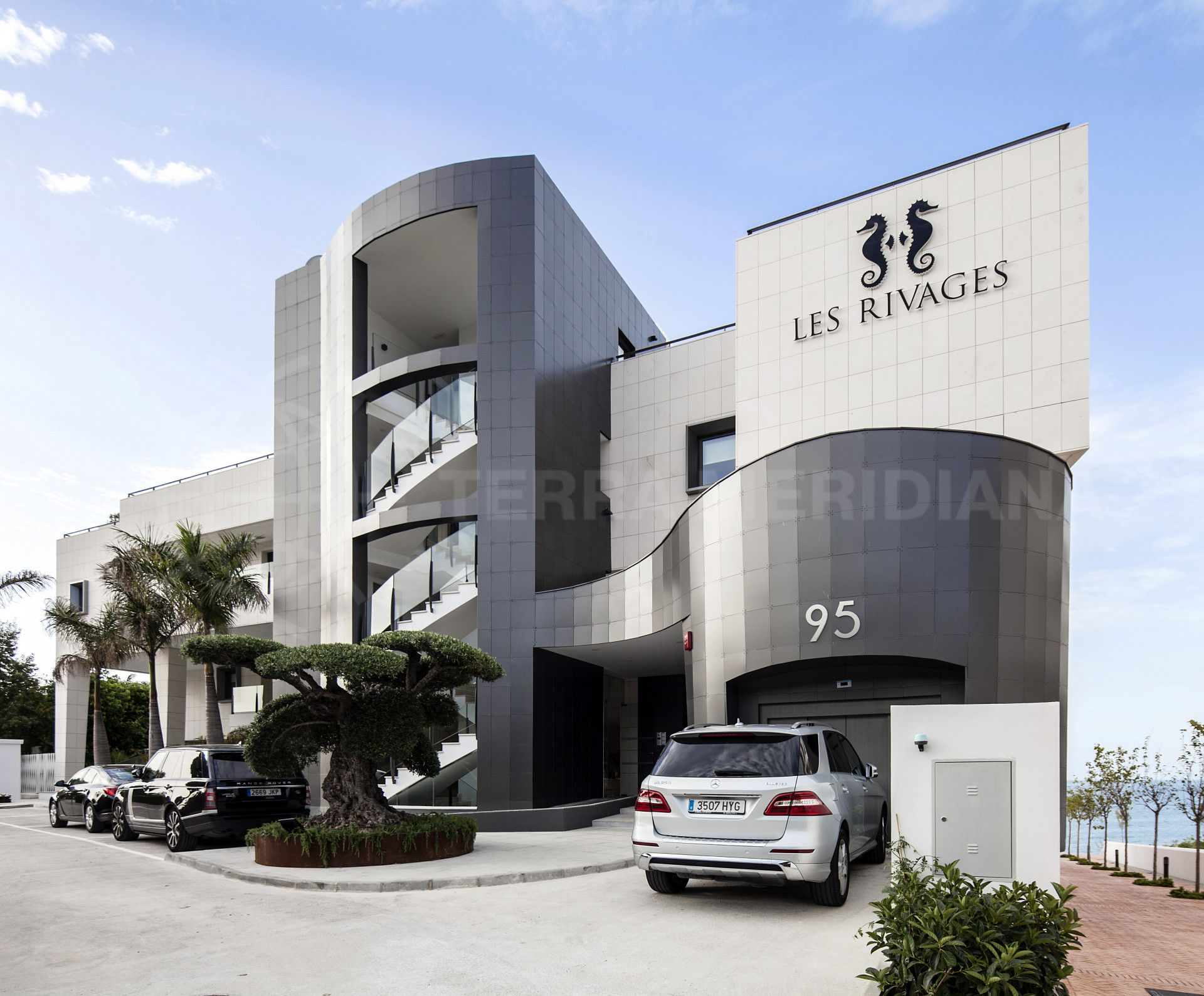 Les Rivages parking entrance
