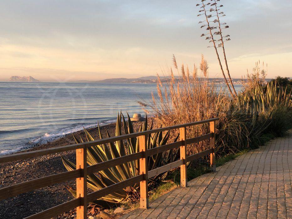 Estepona beach promenade