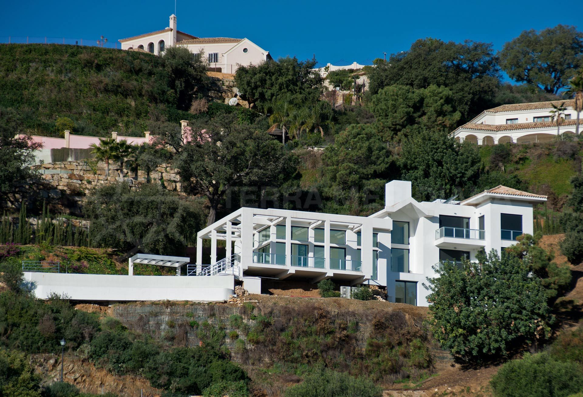 Modern-villa-monte-mayor