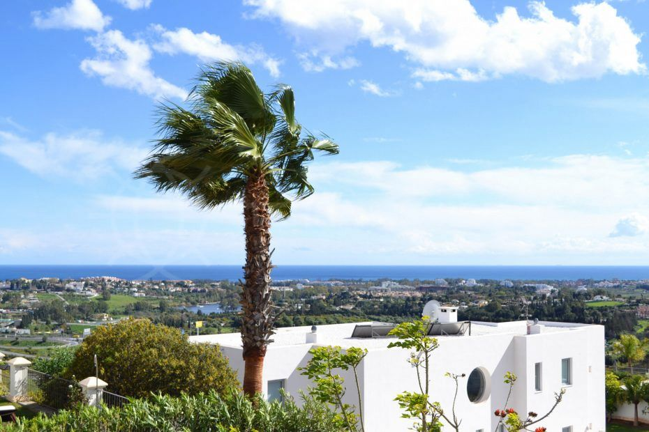 Modern-houses-Puerto-del-Capitan