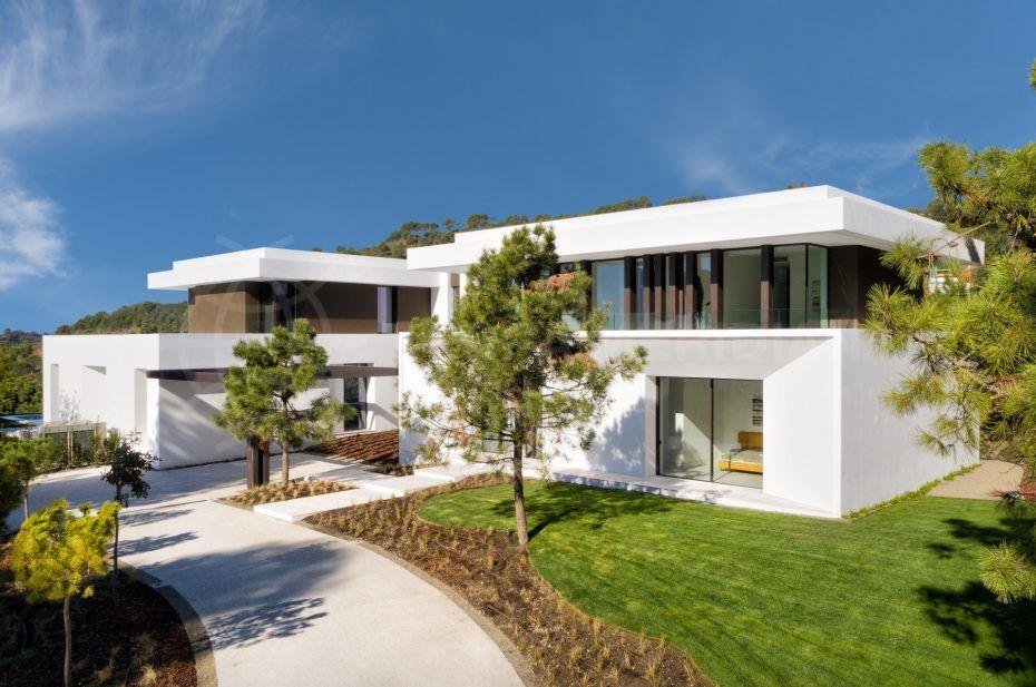 Modern-house-la-reserva-del-alcuzcuz