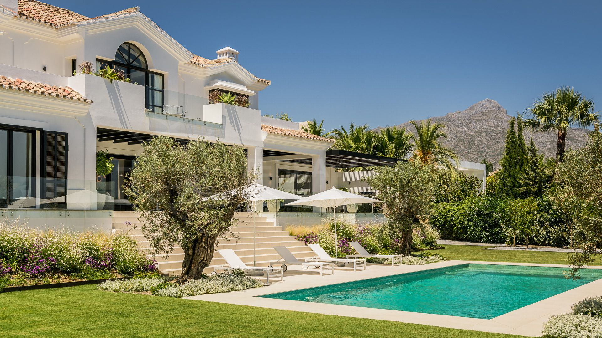 Escape the city and come to Marbella to benefit from the outdoor lifestyle